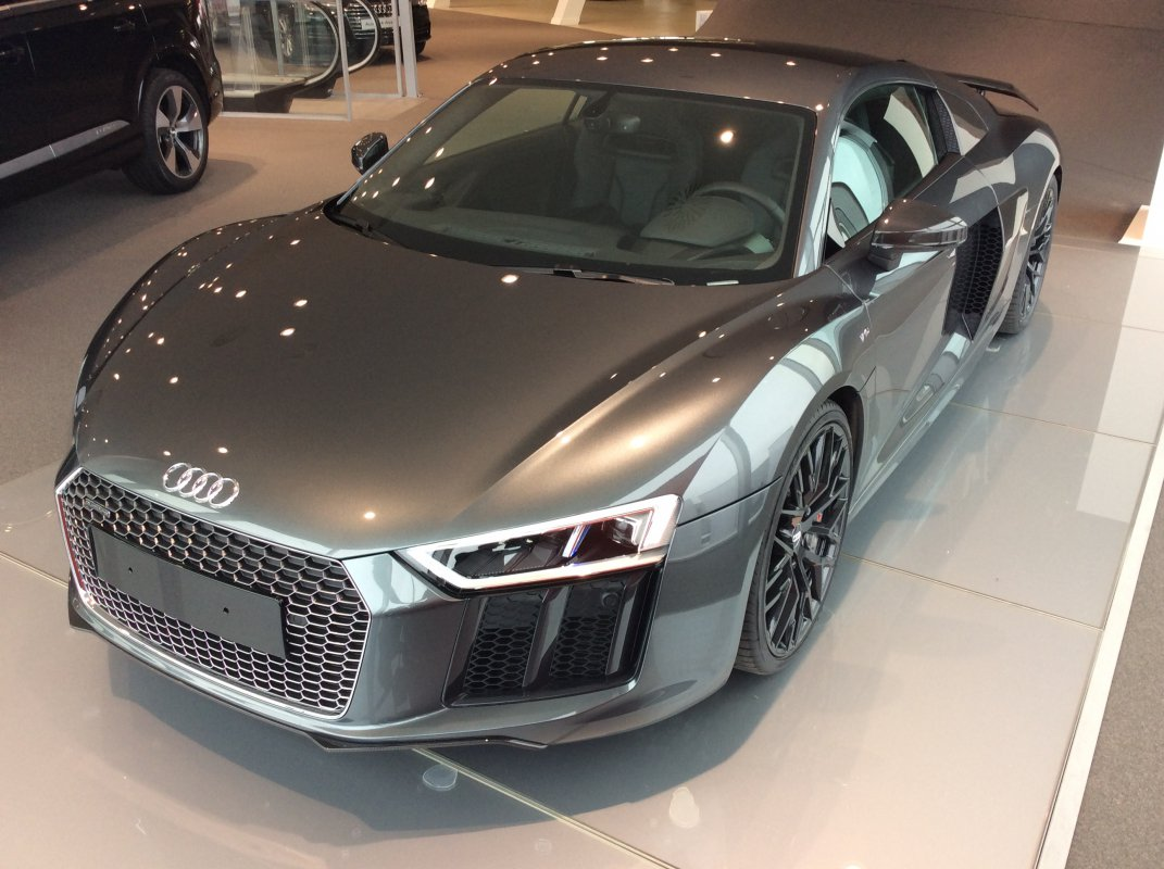leasing audi r8 ii v10 plus hypercars le sommet de l 39 automobile. Black Bedroom Furniture Sets. Home Design Ideas