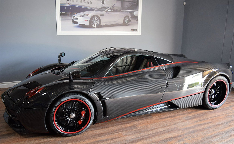 a vendre pagani huayra 2014 hypercars le sommet de l 39 automobile. Black Bedroom Furniture Sets. Home Design Ideas