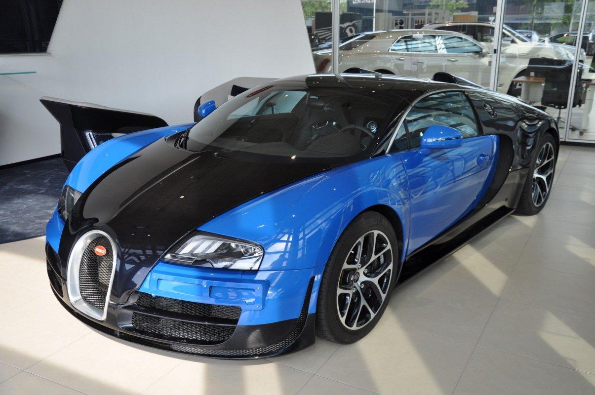 a vendre bugatti veyron grand sport vitesse hypercars le sommet de l 39 automobile. Black Bedroom Furniture Sets. Home Design Ideas