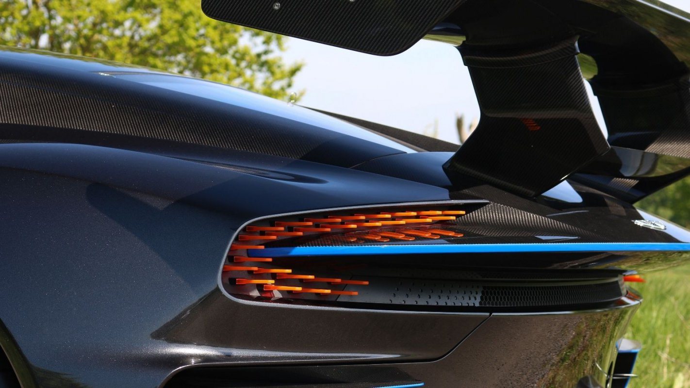 Aston Martin VULCAN for sale