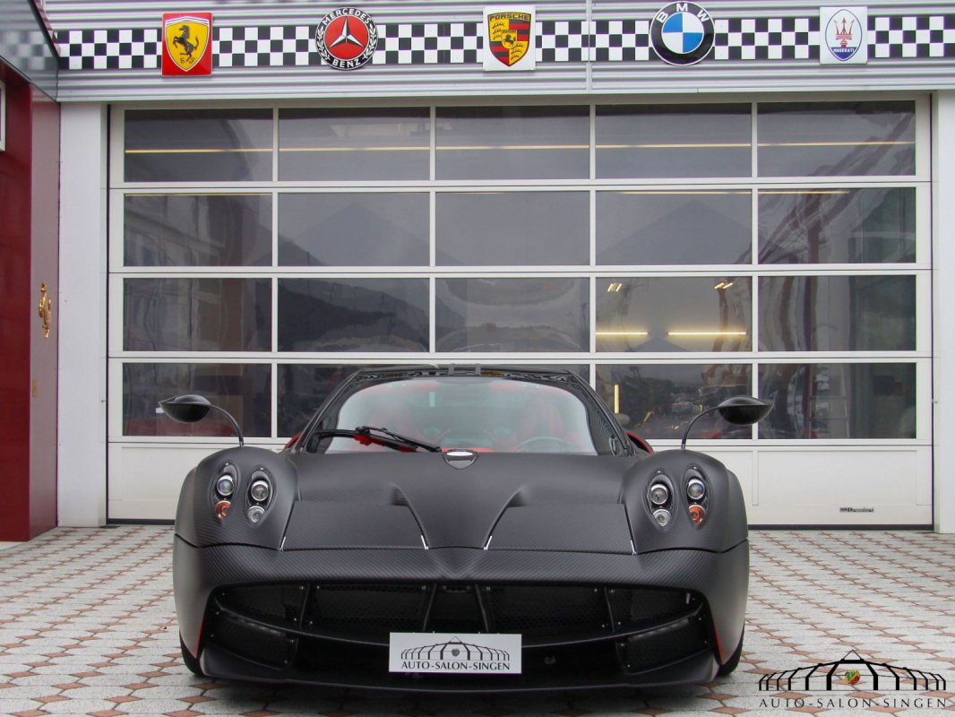 For sale : Pagani Huayra Tempesta